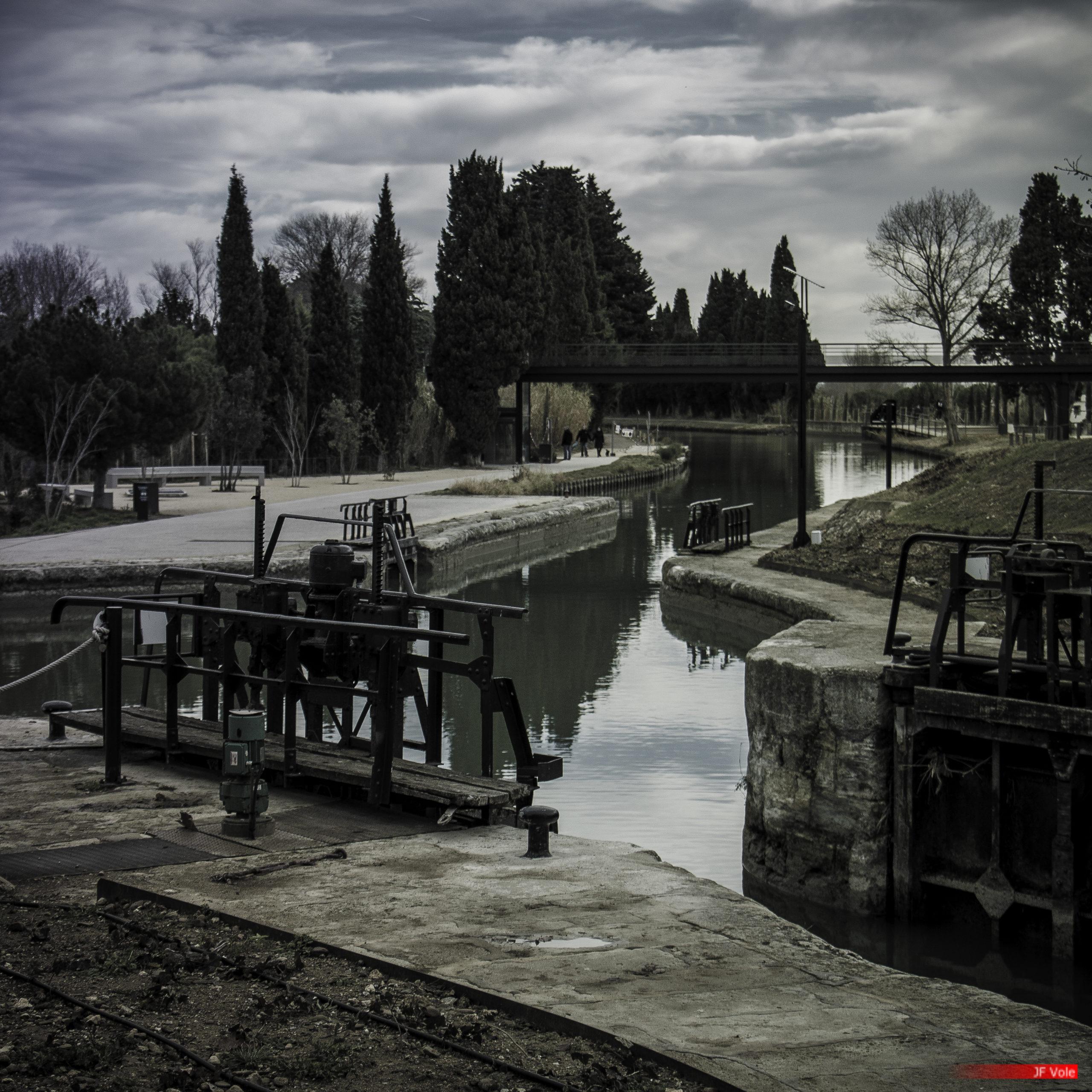 Les écluses de Fonseranes Le bief vers le pont canal sur l'Orb. Béziers, Décembre 2017.